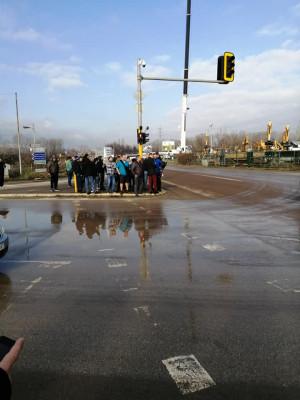 Протест на жителите на село Герман за изграждане на канализация