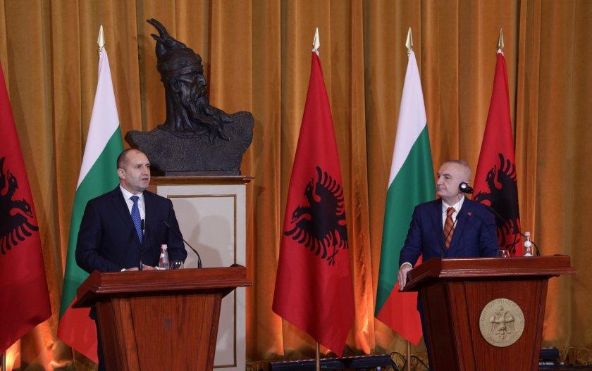 Президентите на България и Албания с обща позиция за мирен диалог относно мигрантската криза
