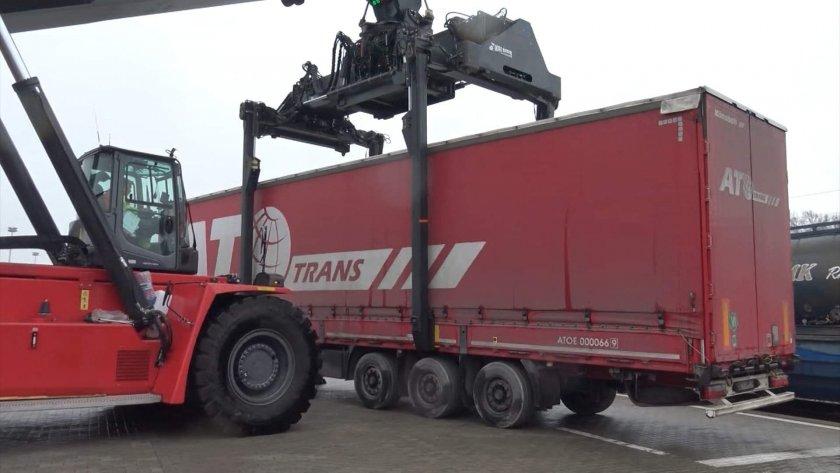 ТИР ремаркетата потеглят за Турция с влак