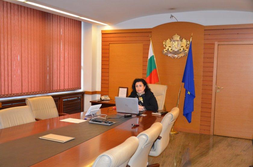Министър Танева призова търговските вериги да зареждат родна продукция