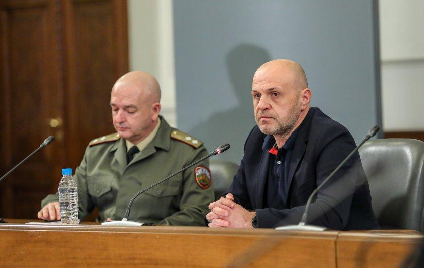 Томислав Дончев и щабът с отговор на президентските критики