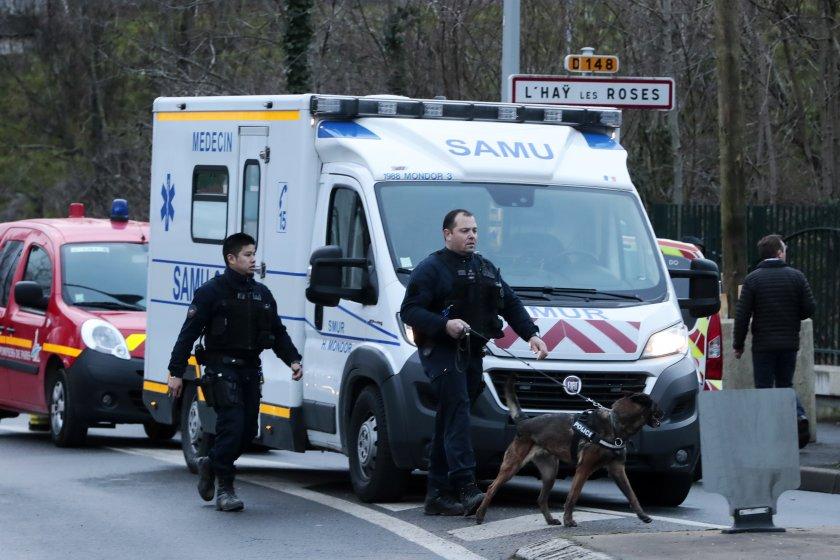 Двама убити и седем ранени след нападение с нож във Франция