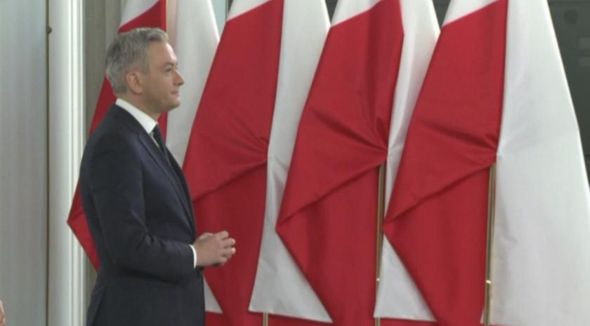 Отлагат президентските избори в Полша