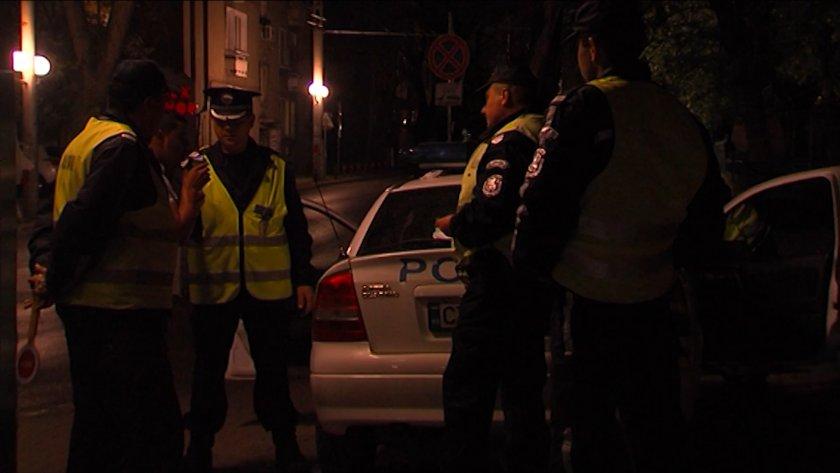 среднощна разпивка следователка водка ръка ругае удря полицаи софия