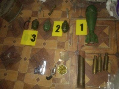 Откриха боен арсенал във вилна постройка край варненско село