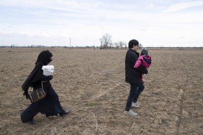 Гърция засили контрола по границата си с Турция заради мигрантите