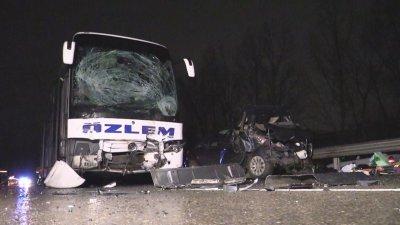 Автобус прегази и уби двама души на пътя Бургас - Созопол