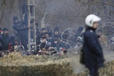 Продължава напрежението по границата между Турция и Гърция