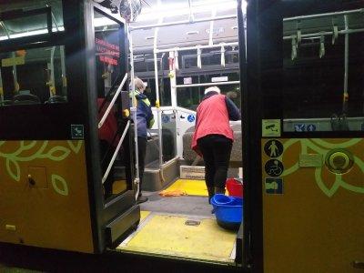 Дезинфекция на градския транспорт в София (ГАЛЕРИЯ)