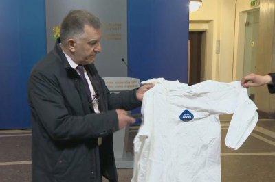 Премиерът обсъди с производители готовността за производство на облекла (ОБЗОР)