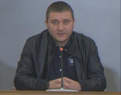 Министър Горанов: Фирмите да не съкращават служители, държавата да поеме 60% от заплащането им за първия месец