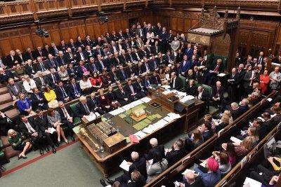 Парламентът на Великобритания спира работа за месец заради коронавируса