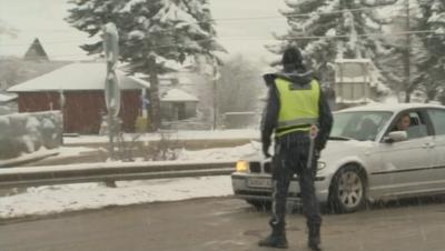 В Драгичево проверяват всички автомобили без пернишка регистрация