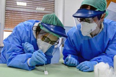 Епидемиолози: Топлата зима е сред причините за високата смъртност от COVID-19 в Италия