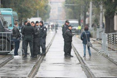 Няма положителни проби за COVID-19 от изследваните до момента полицаи