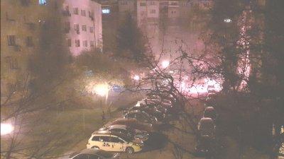 Лек автомобил горя тази нощ в Русе