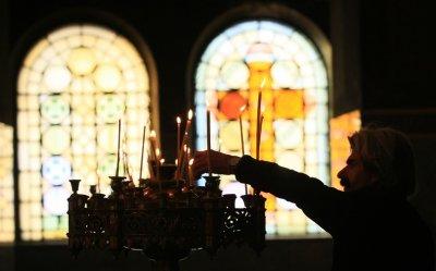 Кампанията #PRAYATHOME призовава да си останем вкъщи за празниците