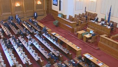 Искането за удължаване на извънредното положение скара депутатите