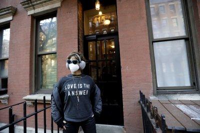 Първи спад в броя на заразените в Ню Йорк