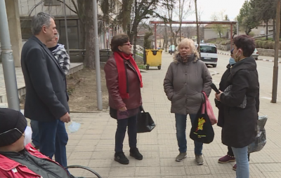 Възрастни хора от русенски села си искат отново банкоматите