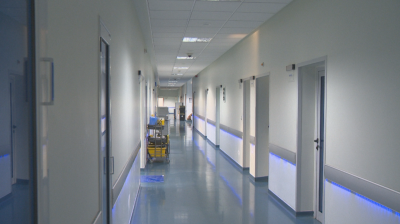 1700 души от 34 лечебни заведения ще получат 1000 лв. към заплатите си