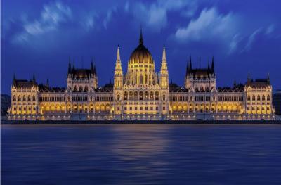 Унгария дава 30 млрд. долара за рестарт на икономиката си