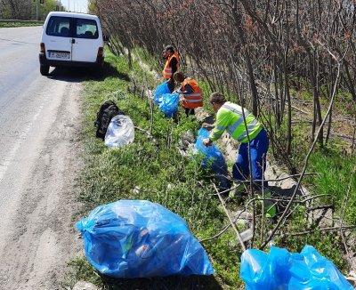Почистиха 16 тона отпадъци в участъка между Русе и Мартен