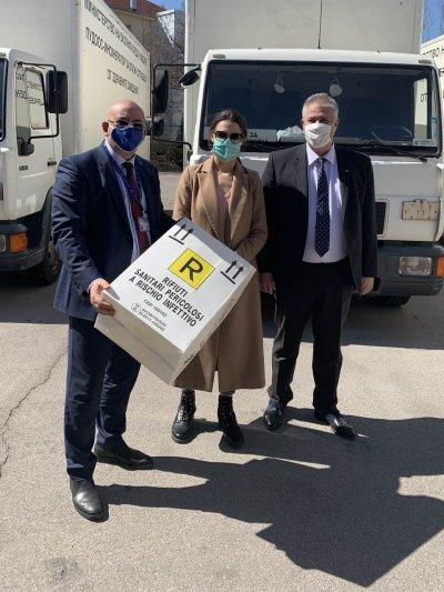 """""""Пирогов"""" получи дарение от 500 контейнера за опасни отпадъци"""