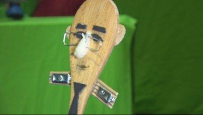 Куклен кризисен щаб в театъра в Бургас