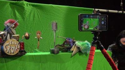 Кукла на ген. Мутафчийски направиха в Бургаския куклен театър