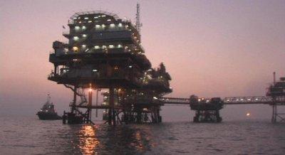 Страните от ОПЕК + се споразумяха за намаляване добива на петрол