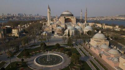 Турция започва да облекчава ограниченията от 11 май