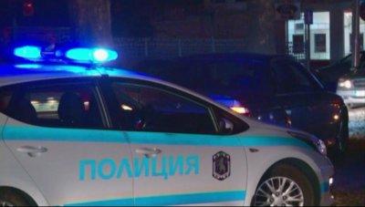 Задържаха трима души след обир на 17 000 лв. от хипермаркет в Пловдив