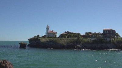 Отварят остров Света Анастасия за посетители, дезинфекцират след всеки курс