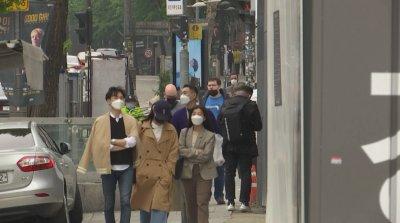 Затвориха баровете и нощните клубове в Южна Корея заради клиент с коронавирус