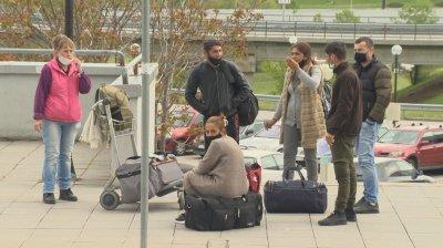 Българите, блокирани в Париж, имали договори с френски работодатели