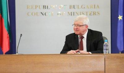 Министър Ананиев издаде заповедите за въведената извънредна епидемична обстановка