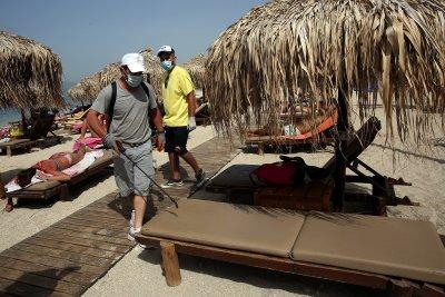 Редица държави отварят плажовете си след разхлабването на мерките