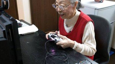 #60 секунди без COVID-19: 90-годишна японка е най-възрастният геймър в света