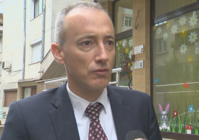 Красимир Вълчев посети частна ясла в първия ден след карантината