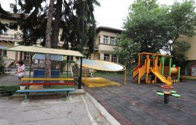 Не на 22-ри, на 26 отварят детските градини и ясли в София