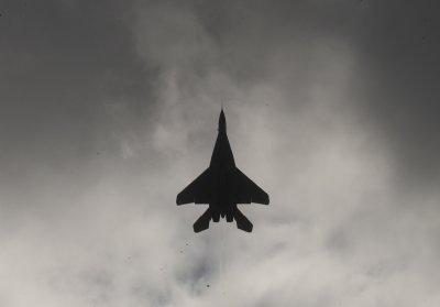Руски бомбардировачи над Черно море. Наши изтребители ги ескортират
