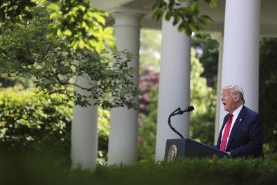 """Тръмп вини Tуитър в... """"потискане на свободното слово"""""""