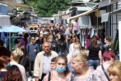 Пазарът в Димитровград заработи отново след двумесечна карантина