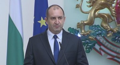 Президентът Радев: Създаването на държавни бензиностанции е авантюра