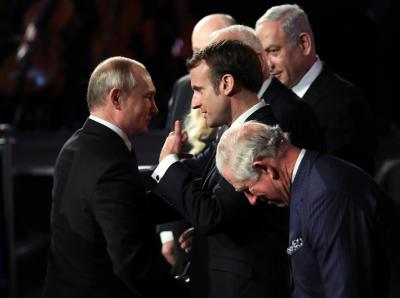 Путин кани Макрон на парада
