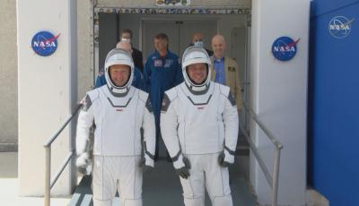 НА ЖИВО: Как се подготвят за историческия полет на НАСА до МКС
