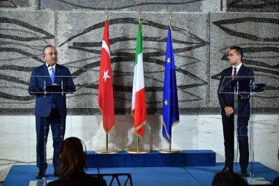 Дипломатически скандал Турция - Италия, спряха сделка за хеликоптери