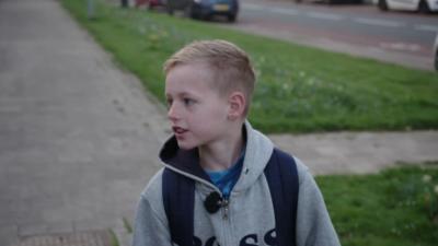 10-годишно момче ходи 7 км пеша всеки ден до училище и обратно