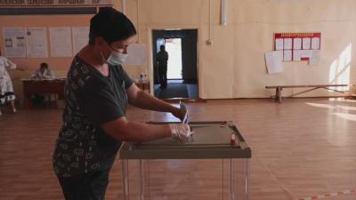 Край на изборите в Русия: Пропрезидентската партия води в сондажите